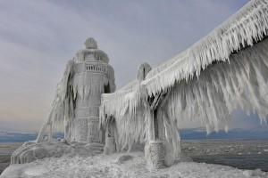 Thomas-Zakowski-Frozen-Lighthouses-Lake-Michigan-1